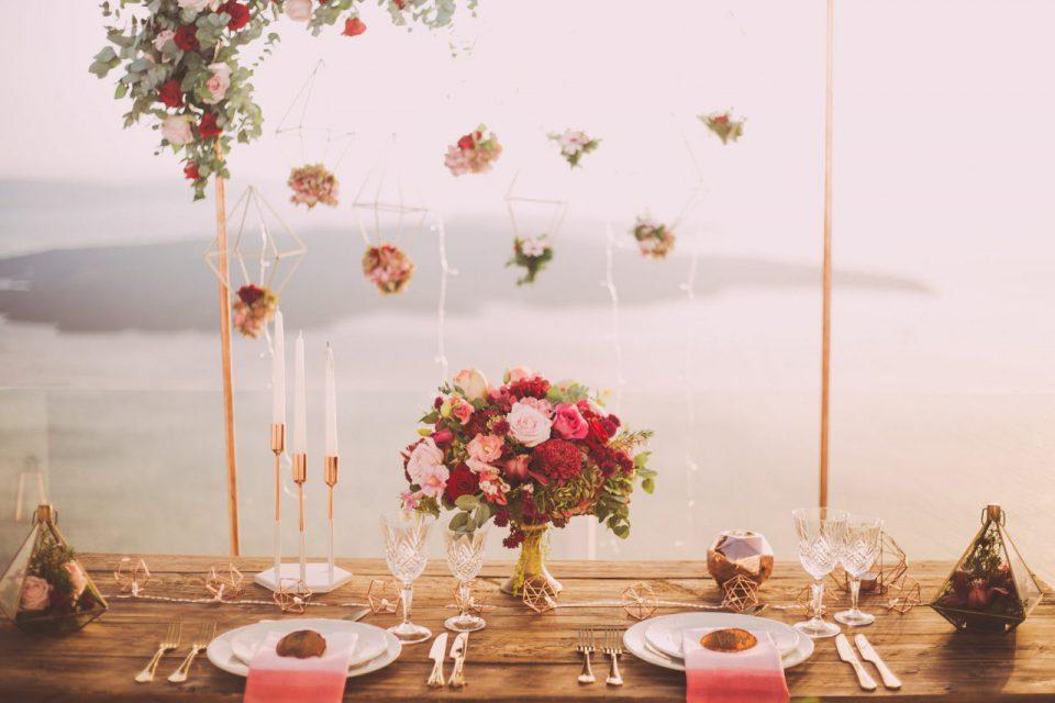 Jak odmienić salę weselną za pomocą dekoracji